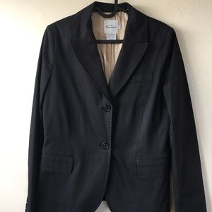 Great Black suite with stitching detail